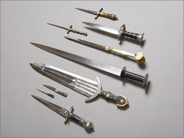 Short Sword, Long Dagger with Leather and Hamon
